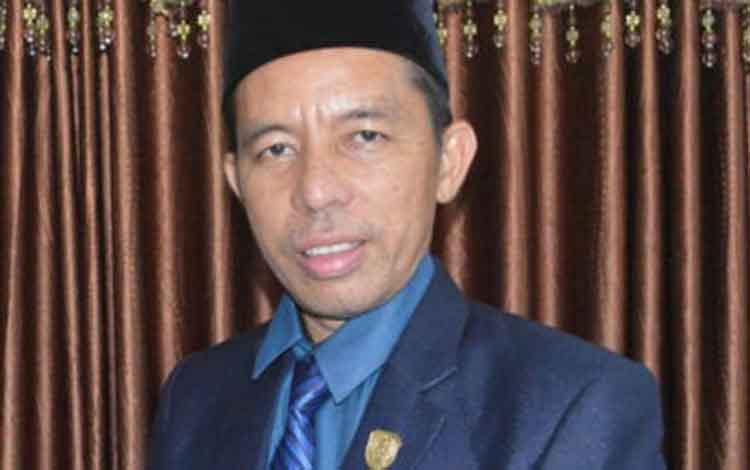 Anggota DPRD Seruyan M Aswin. Pihaknya mengajak masyarakat untuk menjaga lingkungan untuk menciptakan lingkungan yang sehat