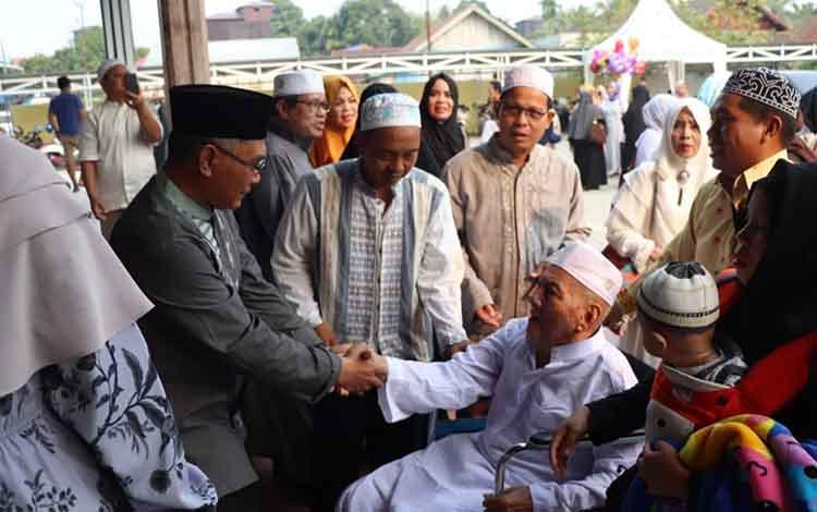 Sebanyak 88 jemaah haji asal Kabupaten Katingan telah kembali ke tanah air. Adapun penyambutan kedatangan jemaah haji itu berlangsung di Masjid Ainul Yaqin Kasongan, Sabtu, 7 September 2019, pukul 15.00 WIB.