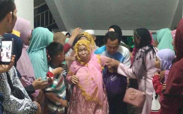 Jamaah haji asal Kabupaten Kotawaringin Timur (Kotim), tiba di Sampitdari Kalimantan Selatan, dengan menggunakan bus, Sabtu, 7 September 2019 malam.