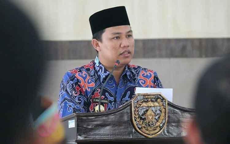 Bupati Lamandau Hendra Lesmana menilai bahwa Gubernur Kalimantan Tengah Sugianto Sabran layak diberi kesempatan untuk memimpin Bumi Tambun Bungai selama dua periode.
