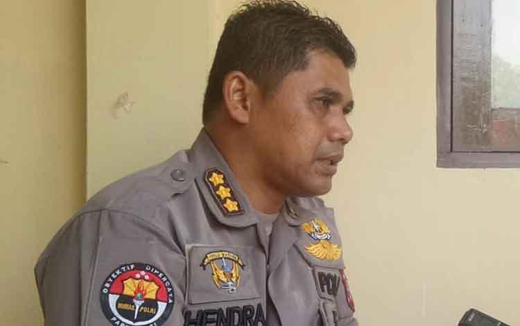Kabid Humas Polda Kalteng Kombes Pol Hendra Rochmawan saat menerangkan tentang jaminan keamanan untuk masyarakat Papua di Kalteng, Senin, 9 September 2019.