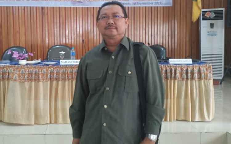 Anggota DPRD Kabupaten Kapuas Rosihan Anwar meminta pemkab terus membina dan bersinergi dengan organisasi masyarakat atau ormas dan lembaga swadaya masyarakat (LSM).