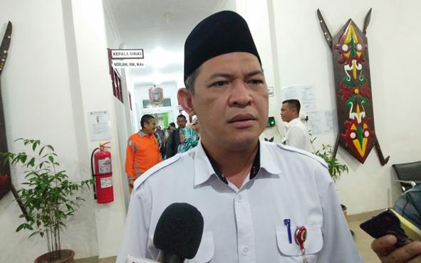 Sekda Kalteng Fahrizal Fitri mengajak umat muslim di Kalimantan Tengah menggelar salat Istisqo, memohon kepada Allah SWT, Tuhan Yang Maha Esa, agar segera diturunkan hujan.
