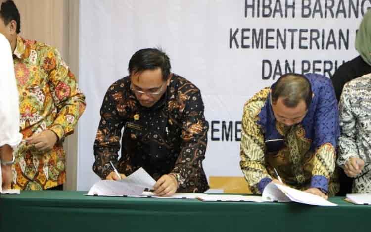 Wakil Bupati Katingan Sunardi Litang menghadiri penandatanganan serah terima hibah barang milik negara di Kementerian PUPR Jakarta.