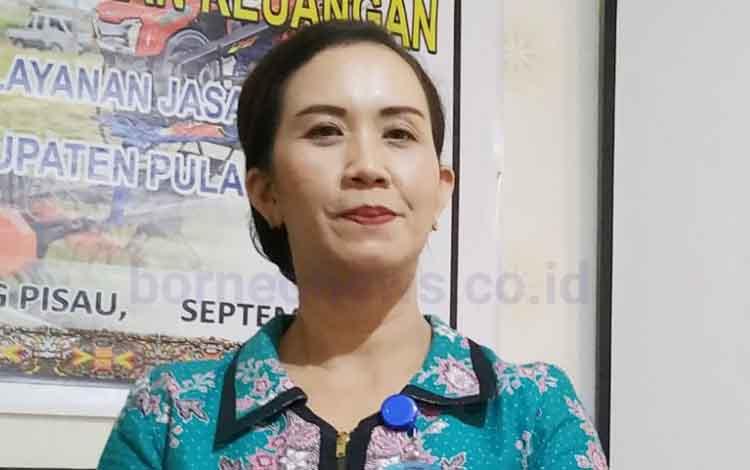 Fitria Hustarina, dosen Fakultas Ekonomi dan Bisnis UPR  mengatakan pentingnya pelaporan keuangan terkait dengan public money.