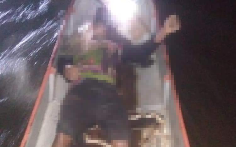 Korban Aden Hidayat ketika ditemukan sudah tidak bernyawa lagi, Rabu 11 September 2019 lalu. Sebelum itu, karyawan PT Bukit Telawi itu dinyatakan hilang tenggelam.