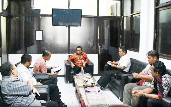 Kepala Diskominfosandi Barito Utara M Iman Topik beserta kepala OPD lainnya saat konsulidasi  ke BPKP Perwakilan Provinsi Kalimantan Tengah. Bupati Nadalsyah menugaskan beberapa perangkat daerah segera mewujudkaoBarito Utara sebagai kabupaten transparan.