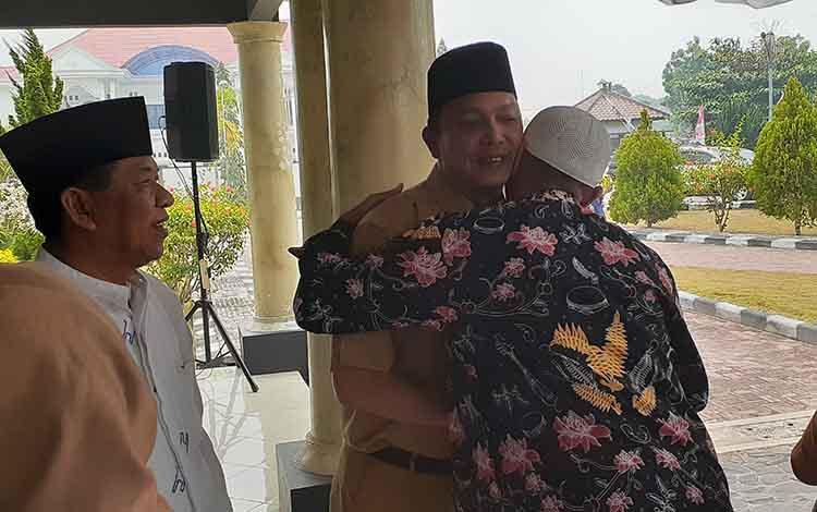 Jamah haji Kabupaten Sukamara mengharapkan persiapan pemberangkatan jamaah calon haji lebih maksimal, Senin, 16 September 2019.