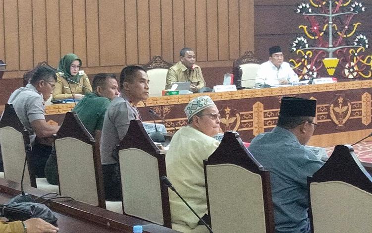 Pemerintah Provinsi Kalimantan Tengah, Senin, 16 September 2019, menggelar rapat koordinasi membahas persiapan menyambut kedatangan Al Habib Umar bin Hafidz ke Kota Palangka Raya pada Sabtu, 28 September 2019.