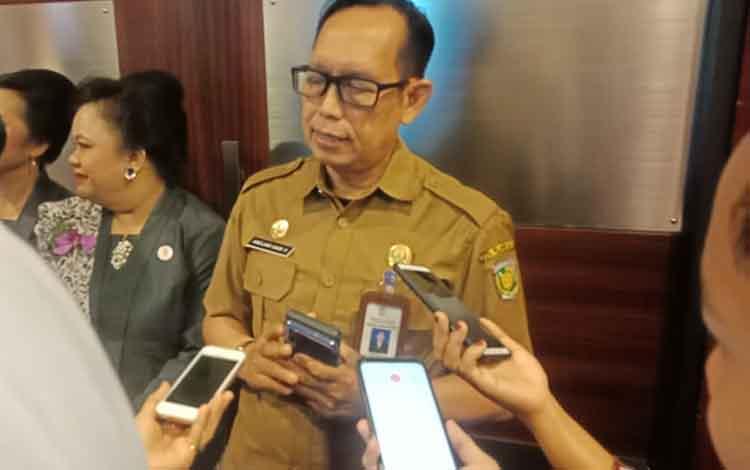 Plt Kepala Dinas Kesehatan (Dinkes) Kota Palangka Raya, Andjar Hari Purnomo menegaskan kasus ISPA Kota Palangka Raya belum memenuhi indikator KLB, Selasa, 17 September 2019.