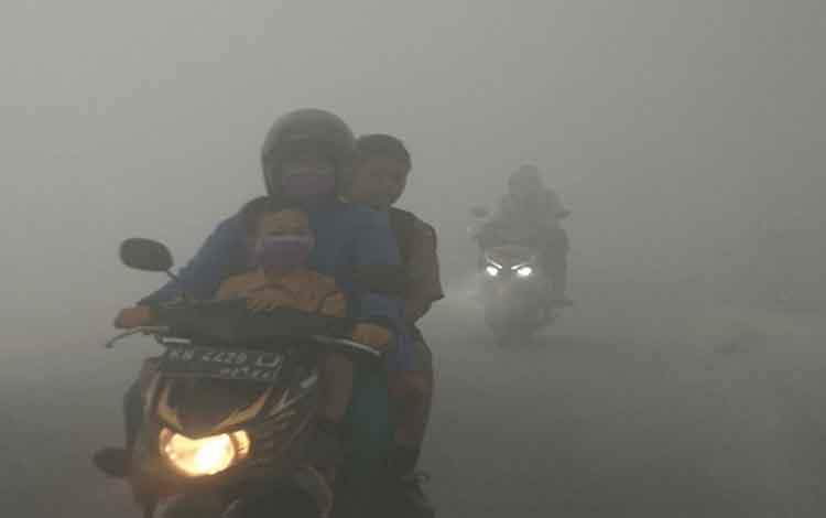 Kabut asap Kalteng, BMKG memperkirakan wilayah Kalimantan Tengah Bagian utara akan terlebih dahulu memasuki musim hujan, Rabu, 18 September2019.