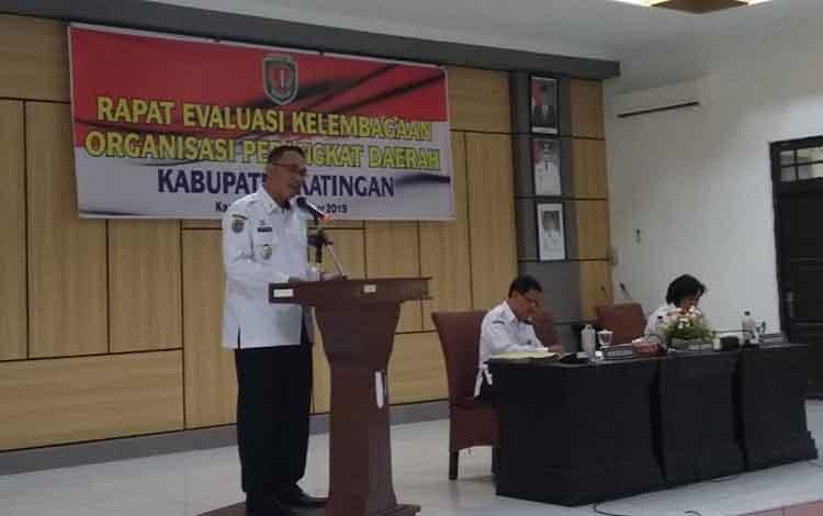 Wakil Bupati Sunardi Litang membuka rapat evaluasi kelembagaan organisasi perangkat daerah, Rabu, 18 September 2019.