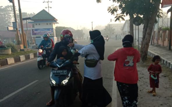 Selama kabut asap melanda, Dinkes Kabupaten Sukamara sudah menyebarkan 7.000 lembar masker.