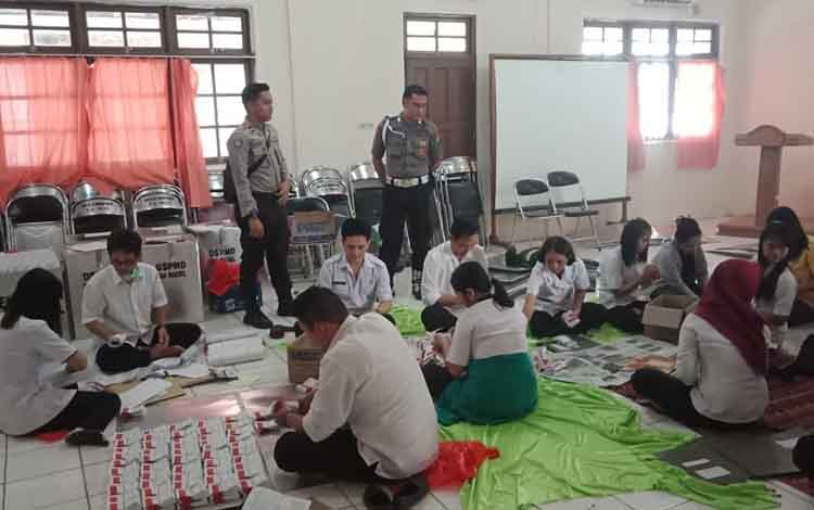 Dspmd Barito Selatan Mulai Lipat Surat Suara Pilkades Serentak
