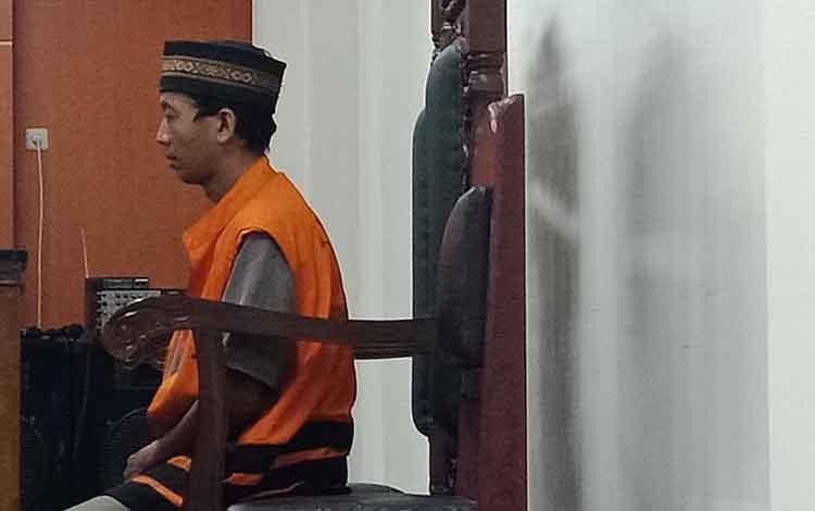 Ujiansyah alias Agus terdakwa kasus pencurian sidang di Pengadilan Negeri Sampit, Kamis, 19 September 2019.