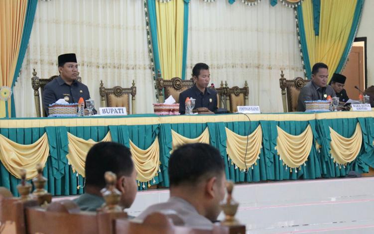 DPRD Kabupaten Lamandau menggelar Rapat Paripurna dengan agenda membahas usulan nama-nama calon pimpinan dewan definitif periode 2019-2024, Kamis, 19 September 2019.