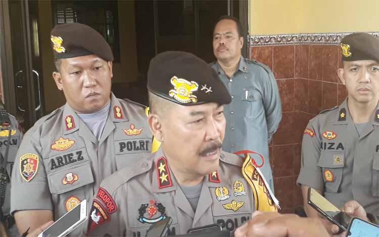 Kapolda Kalteng Irjen Ilham Salahudin saat diwawancarai wartawan, Jumat 20 September 2019. Kapolda meminta kepada media agar bisa memberitakan hal yang bisa menghentikan Karhutla