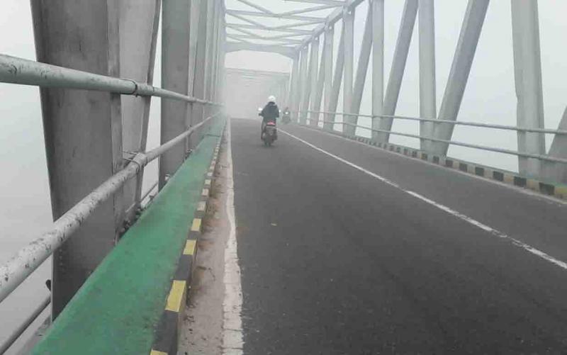 Kabut asap masih menyelimuti wilayah Kasongan, Kabupaten Katingan, Jumat, 20 September 2019.
