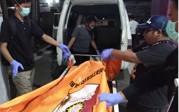 Mayat yang ditemukan di parit di Jalan Sanang unjung, Kecamatan Sebangau, Kota Palangka Raya pada Sabtu, 21 September 2019, telah dketahui indentitasnya. Korban bernama Eka Prihatiningsih. Perempuan 20 tahun itu ternyata telah hilang sejak Agustus 2019.