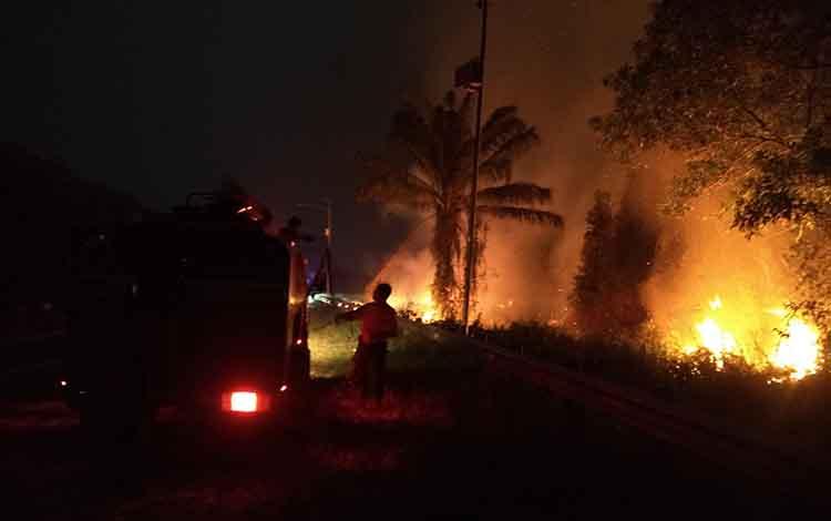 Kebakaran yang terjadi di Jalan Jendral Sudirman, beberapa waktu lalu. Saat ini Polres Kotim kembali menetapkan seorang tersangka pembakar lahan, Senin, 23 September 2019.