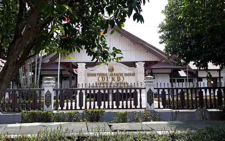 Kantor DPRD Kabupaten Kapuas. Saat ini seluruh Anggota DPRD Ikuti Orientasi dan Lokakarya di Kota Palangka Raya pada Senin, 23 September 2019