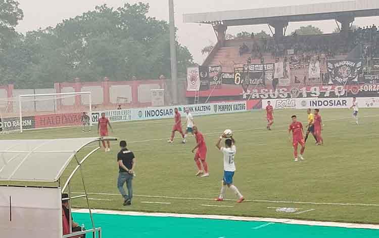 Skuad Kalteng Putra cuma mampu memetik 1 poin hasil laga kontra PSIS Semarang di Stadion Tuah Pahoe Palangka Raya pada Selasa, 24 September 2019.