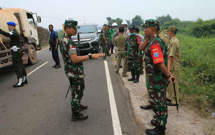 Pangdam XII Tanjungpura Mayjen TNI Muhammad Nur Rahmad memerintahkan kepada seluruh tim Satgas Karhutla agar terus aktiv melakukan patroli, untuk antisipasi kebakaran lahan terus meluas, Selasa, 24 September 2019.