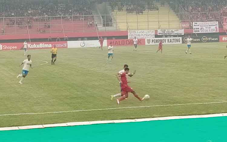 Babak pertama laga Kalteng Putra kontra PSIS Semarang di Stadion Tuah Pahoe Palangka Raya pada Selasa, 24 September 2019, masih tanpa gol.