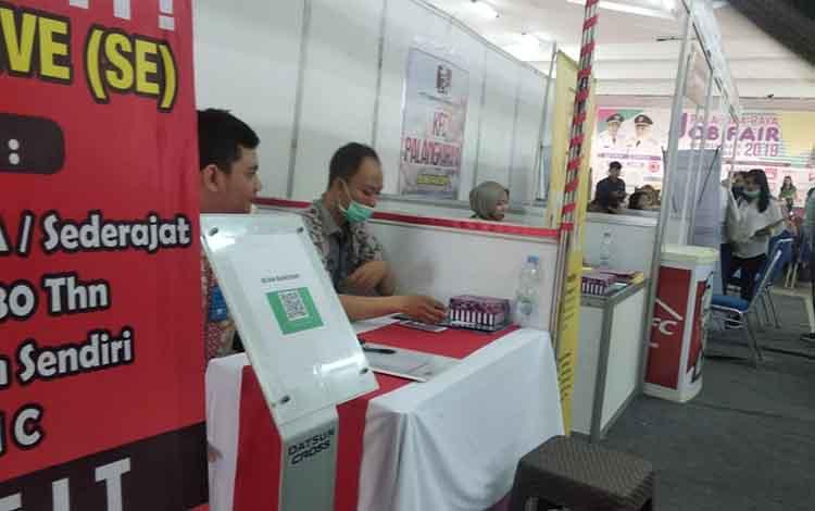 Kegiatan Job Fair, Wali Kota Palangka Raya, Fairid Naparin membanggakan capaian IPM Palangka Raya yang menyentuh angka 7,8 di Aula Universitas Palangka Raya, Kamis, 26 September 2019.