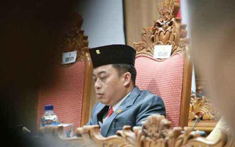 Ketua Sementara DPRD Kotim, Rimbun. Rencananya pelantikan unsur pimpinan DPRD ditunda menjadi Selasa 2 Oktober 2019
