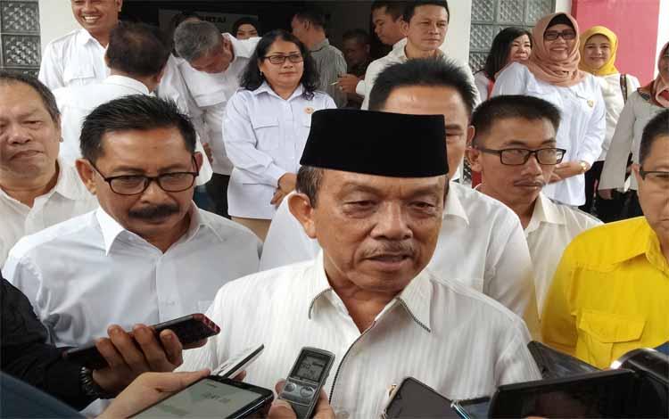 Abdul Razak menyampaikan alasannya tampil sebagai bakal calon gubernur Kalteng di Pilkada 2020. Dia menyebut tekadnya itu lantaran banyak pihak yang mendukung untuk maju dalam pesta demokrasi tahun depan