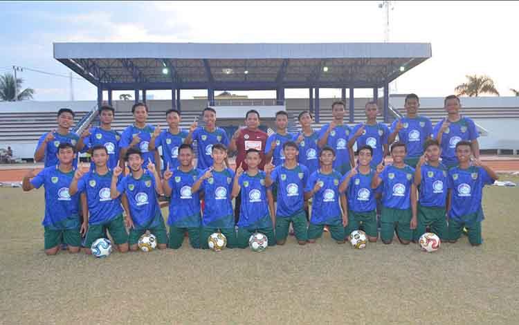 Seleksi tim Pra PON Kalteng cabang olahraga sepak bola kembali dilakukan. Sebanyak 24 pemain terpilih mengikuti seleksi kali ini. Tiga di antaranya berasal dari Kabupaten Kotawaringin Barat (Kobar).