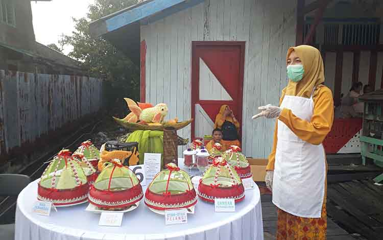 Lomba kuliner tradisional dan bejaja wadai khas kampung pecinan meriahkan HUT Kotawaringin Barat yang ke- 60 Kobar, Selasa, 1 Oktober 2019.