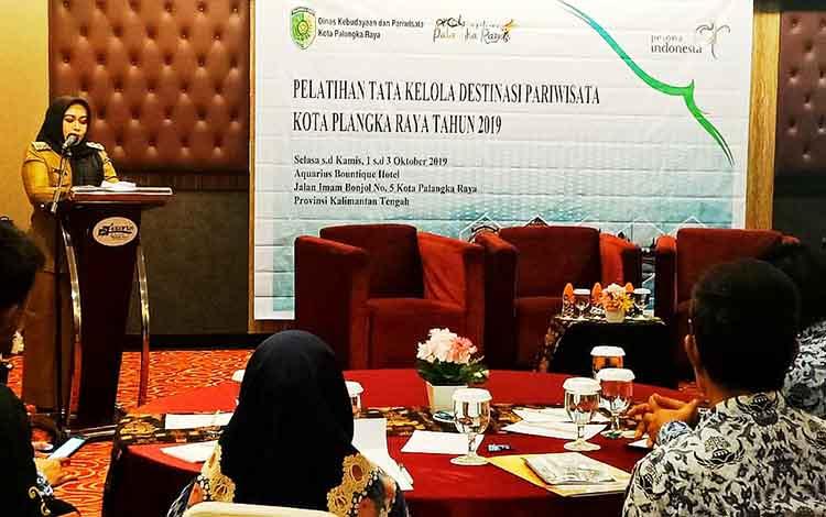 Wakil Wali Kota Palangka Raya, Umi Mastikah saat meminta pengembangan sektor kepariwisataan harus maksimal, Selasa 1 Oktober 2019