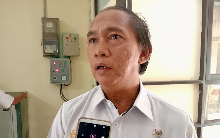 Kepala Dinas Tenaga Kerja dan Transmigrasi (Disnakertrans) Kabupaten Pulang Pisau Farisco JS Ibat mengakui PT Naga Bhuana Aneka Piranti menggaji karyawan di bawah Upah Minimum Kabupaten (UMK).