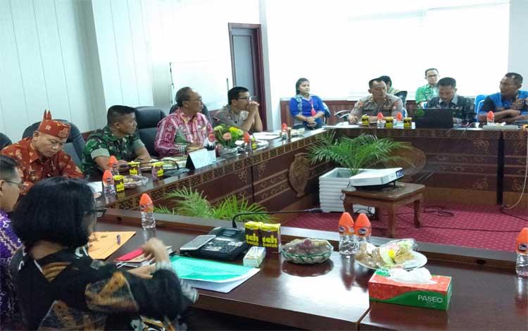 Pemprov Kalteng menggelar rapat koordinasi evaluasi status tanggap darurat bencana Karhutla