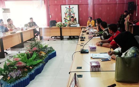 Rombongan Komisi III DPRD Kabupaten Kota Baru, Kalimantan Selatan, berkunjung ke DPRD Kota Palangka Raya, Rabu, 2 Oktober 2019. Kedatangan mereka bertujuan mempelajari realisasi setiap kecamatan mengenai rencana detail tata ruang.