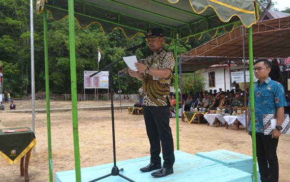 Bupati Barito SelatanEddy Raya Samsuri memerintahkan jajarannya supaya berperan aktif menyukseskan program TNI Manunggal Masuk Desa atau TMMD ke-106.