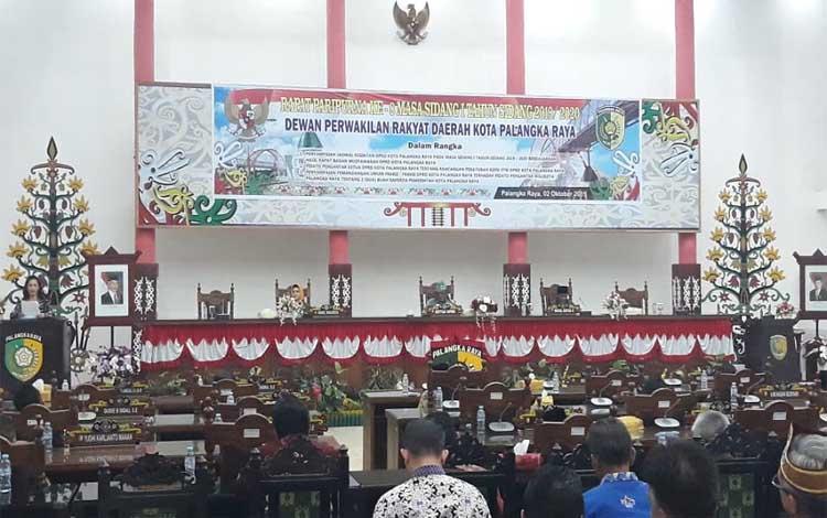 DPRD Kota Palangka Raya menggelar rapat paripurna, Rabu 2 Oktober 2019. Dalam rapat paripurna ini disampaikan tiga agenda DPRD