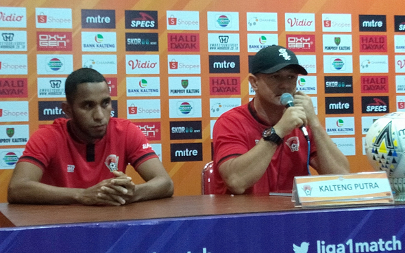 Pelatih Kalteng Putra Gomes de Oliveira memastikan anak didiknya siap meladeni Barito Putera dalam laga lanjutan Liga 1 Indonesia yang akan berlangsung di Stadion Tuah Pahoe, Kota Palangka Raya, Sabtu, 5 Oktober 2019 pukul 15.30 WIB.