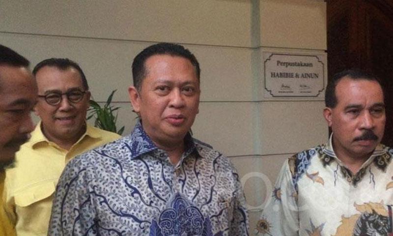 Wakil Ketua Bidang Pratama Golkar Bambang Soesatyo (Bamsoet) seusai bertemu Presiden RI Ketiga BJ. Habibie di kediamannya, Patra Kuningan, Jakarta pada Senin, 15 Juli 2019. TEMPO/Dewi Nurita