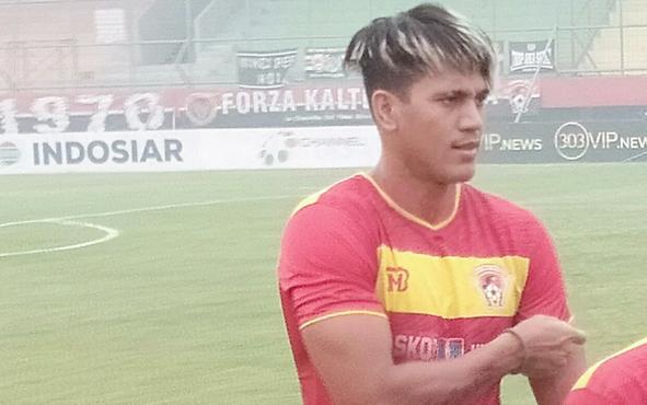 David Bala, pemain asing asal Brazil yang memperkuat Kalteng Putra masih absen dalam laga kontrak Barito Putera di Stadion Tuah Pahoe Palangka Raya pada Sabtu, 5 Oktober 2019.