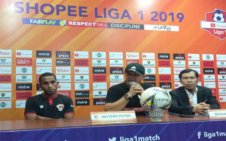 Pelatih Kalteng Putra Gomes De Oliveira menyebut 1 gol yang dicetak timnya ke gawang Barito Putera berkat perjuangan mati-matian. Tapi sayang keunggulan 1-0 itu mampu disamakan dengan gol bunuh diri