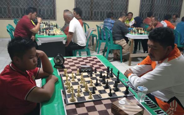 Kejuaraan catur beregu Bupati Cup 2019 diikuti sebanyak 28 pecatur yang berasal dari Kabupaten Kotawaringin Timur (Kotim).