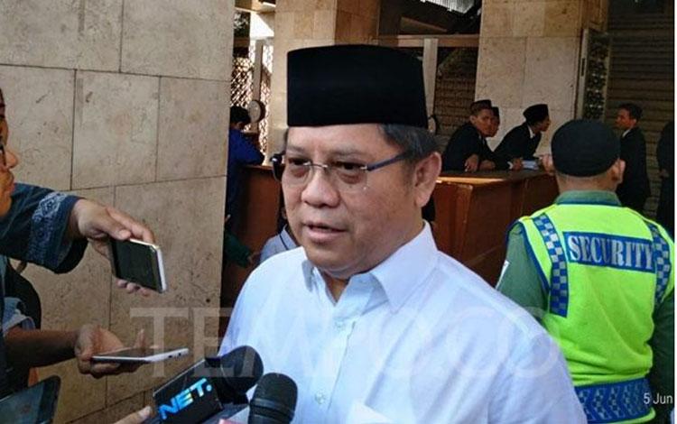 Menteri Komunikasi dan Informasi, Rudiantara sesuai melaksanakan Salat Ied di Masjid Istiqlal, Jakarta, Rabu, 5 Mei 2019. TEMPO/Irsyan Hasyim