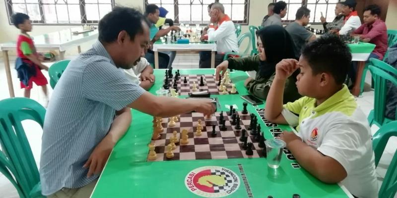 Atlet catur Kotim saat bertanding di Bupati Cup 2019. Pemerintah Kabupaten Kotawaringin Timur (Kotim) berencana mendatangkan master catur nasional pada Februari 2020.