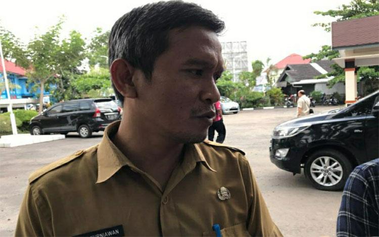Kepala Dinas Sosial Kapuas, Budi Kurniawan. Saat ini dinas sosial terus validasikan data penerima bantuan agar tepat sasaran