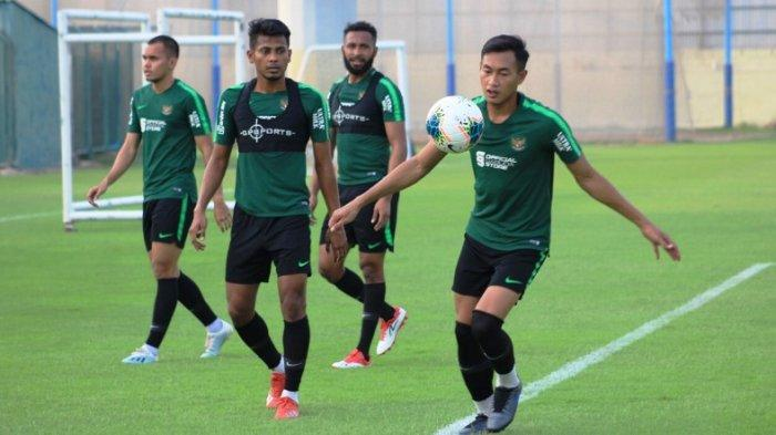 Nanti malam Timnas Indonesia akan melakoni laga ketiga grup G babak kualifikasi Piala Dunia 2022, menghadapi Uni Emirat Arab (UEA). Laga akan dilangsungkan Kamis (10/9/2019) mulai pukul 23.00 WIB.