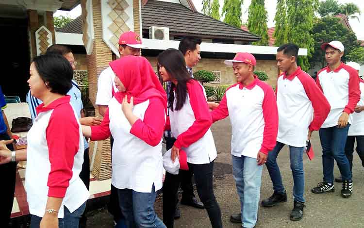 Memperingati Hari Sumah Pemuda yang ke - 91 dan Ikrar Bersama Anak Bangsa (IBAB) 2019, Pemerintah Kabupaten Barito Utara melaui Badan Kesatuan Bangsa dan Politik (Kesbangpol) rekrut para pemuda daerah.