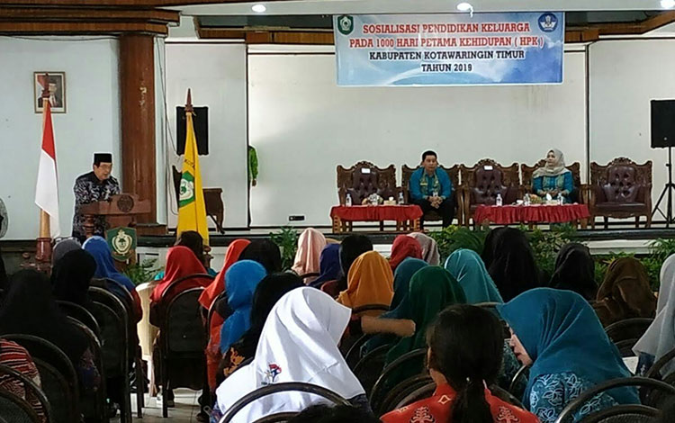 Wakil Bupati Kotim Taufiq Mukri perlu pola pengasuhan yang tepat untuk jaga anak menderita stunting,